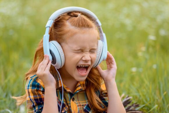 Где возможно скачивать и прослушивать музыку бесплатно? Zvukbiz2
