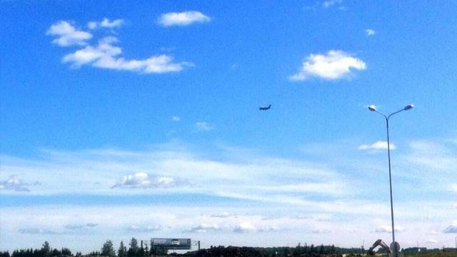 [Internacional] Avião An-148 pousa em segurança no aeroporto de São Petersburgo Pulkovo3