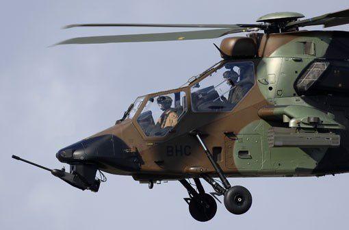 Pas-à-pas : Amiot 143 [Smer 1/72] - Page 4 Ob_79381d_les-sept-helicopteres-tigre-had-supp
