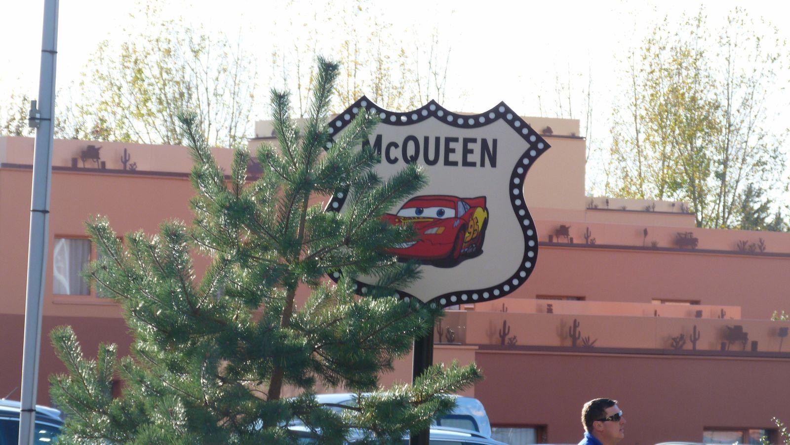 Le Disney's Hotel Santa Fé rénové sur le thème de Cars - Quatre Roues : photos page 16 - Page 18 Ob_024bace17505361bbe770058616aca0a_p1300243