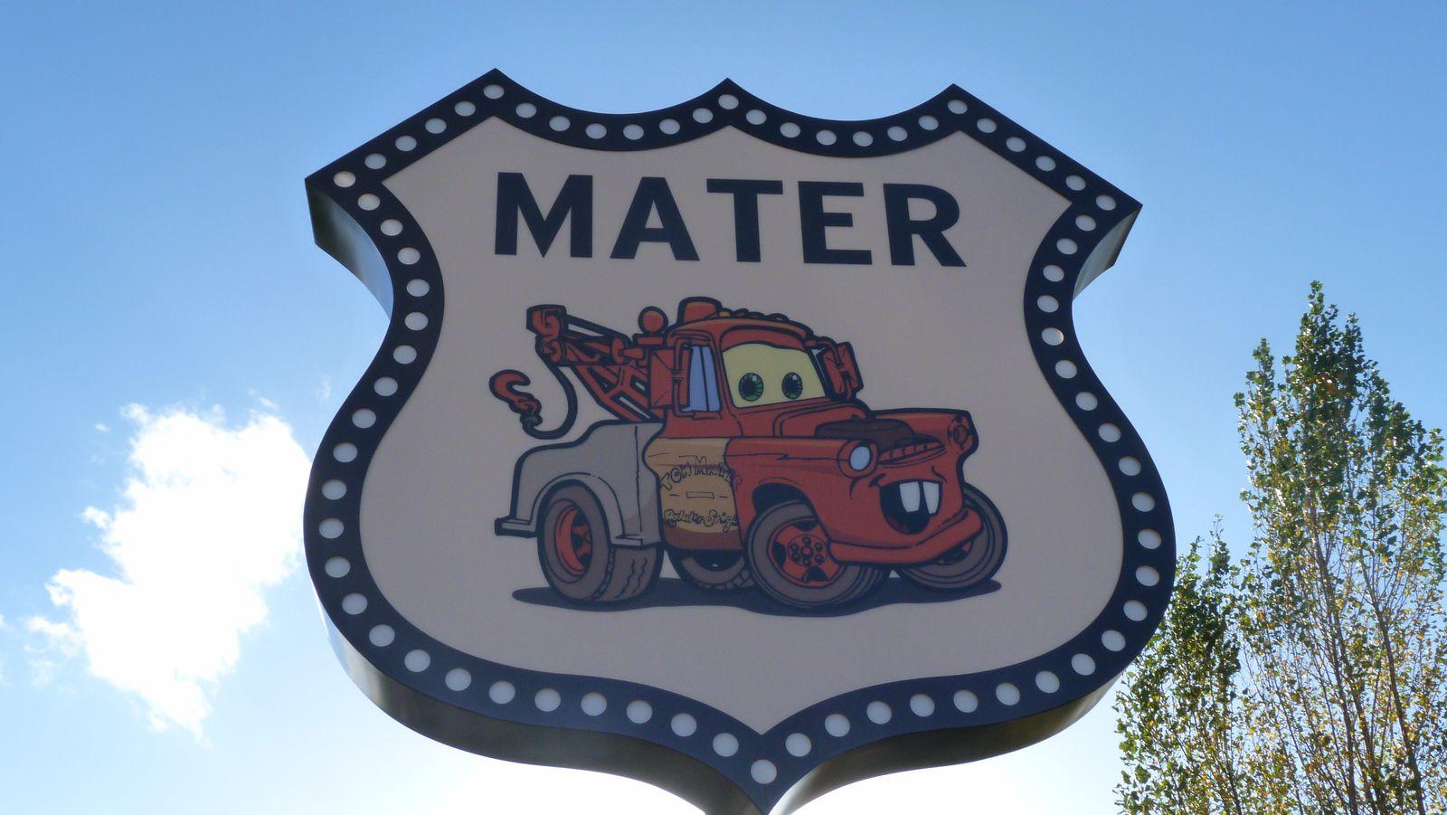 Le Disney's Hotel Santa Fé rénové sur le thème de Cars - Quatre Roues : photos page 16 - Page 18 Ob_28331985b8ae1d3adbb892244de9edea_p1300245
