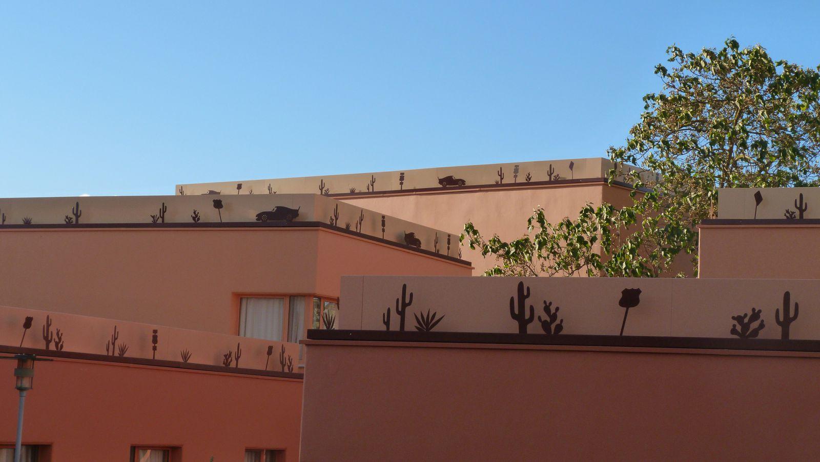 Le Disney's Hotel Santa Fé rénové sur le thème de Cars - Quatre Roues : photos page 16 - Page 18 Ob_a0c81198d886494580d6e001e5e1496b_p1300242