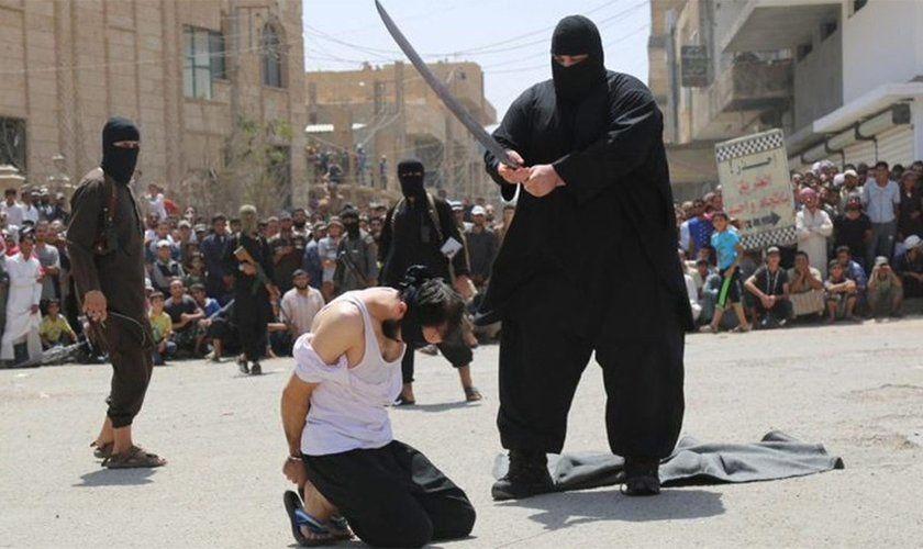 Moyen Orient : Sur le point d'être décapités, des pasteurs ont une vision de JESUS  Ob_53b218_1949937786-execucao-por-terroristas