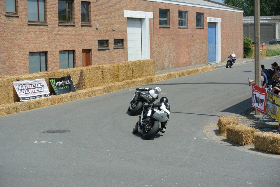 Road Races, TT et courses sur route  - Page 15 Ob_224322_10450839-791211080919849-5395314277410