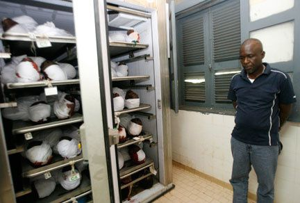 Mystèrieuse disparition au Gabon Ob_fae1d2cc3a4a2c4456747b818a2913fa_morgue-gabon