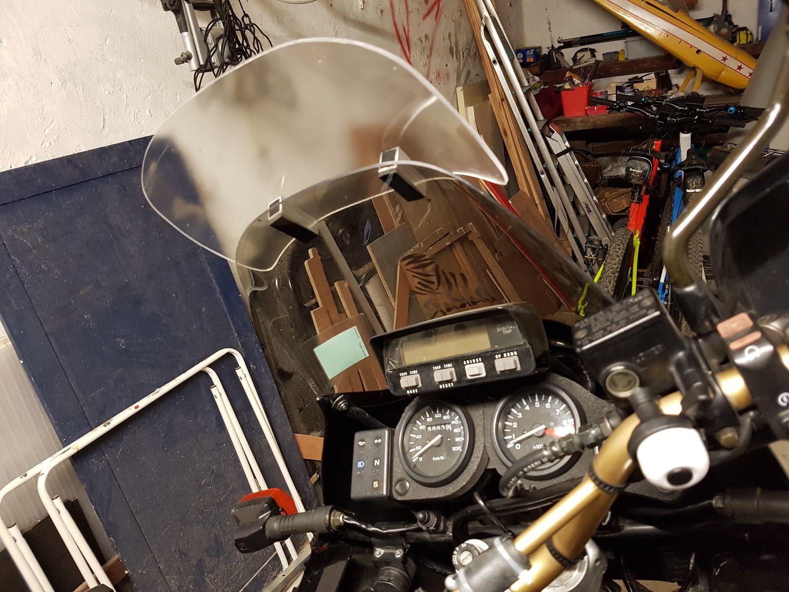 Ma moto: Africa Twin 750 RD07 - 58.000kms. Un charme Ob_9cdce2_20170508-210431