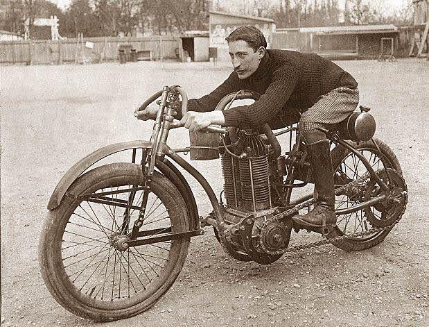 Venez parler de votre moto ! - Page 3 Ob_eb9b60_buchet-1903-twin-cylinder-2976-cc