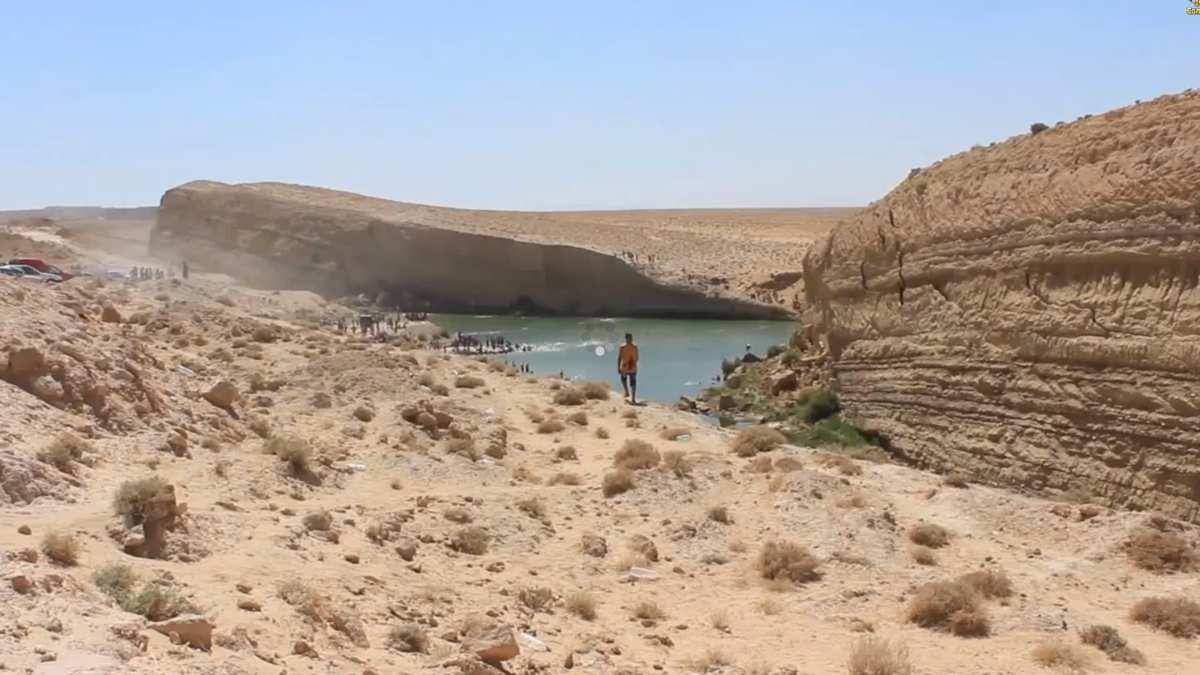 Bizarre, un immense lac apparaît en plein désert tunisien Ob_98a0a0_capture-d-ecran-182