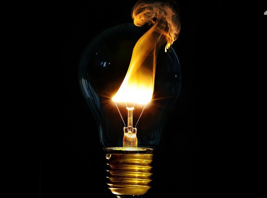 Des physiciens créent de la lumière solide ! Ob_eae58f_physiciens-creent-lumiere-solide-1078x