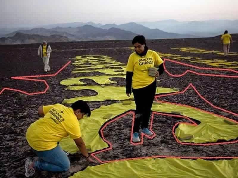 Greenpeace pourrait avoir endommagé définitivement un des sites des lignes de Nazca au Pérou Ob_bec05a_perou11122014-3