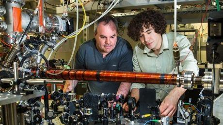 Ils ont mesuré la réalité ! Ob_f01fa3_quantique-truscott-0