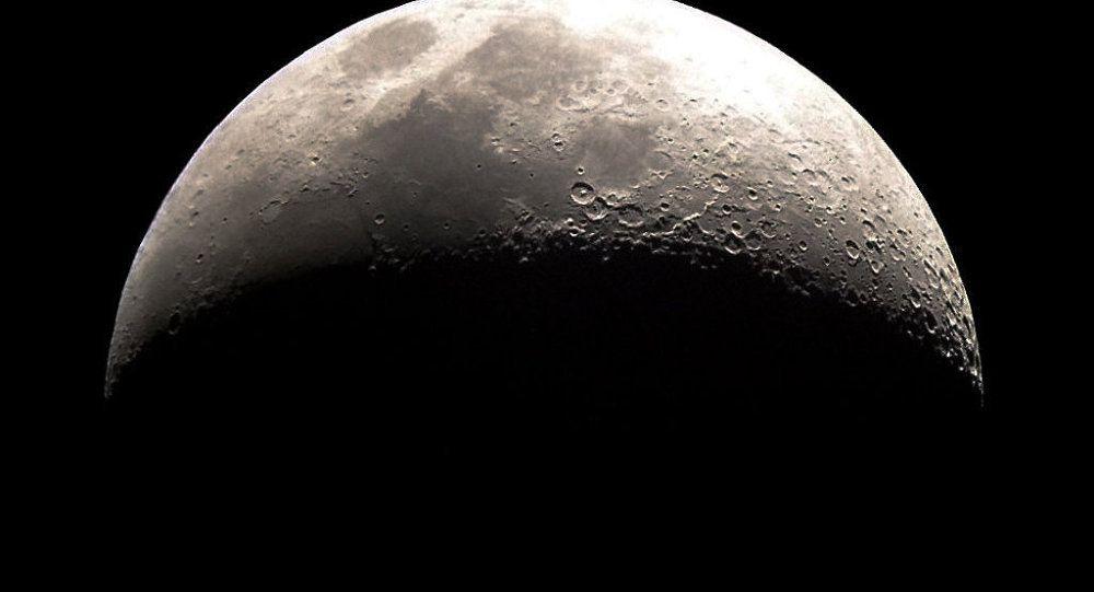 Des astronautes russes marcheront sur la Lune en 2029 Ob_a6f3e8_1015774283