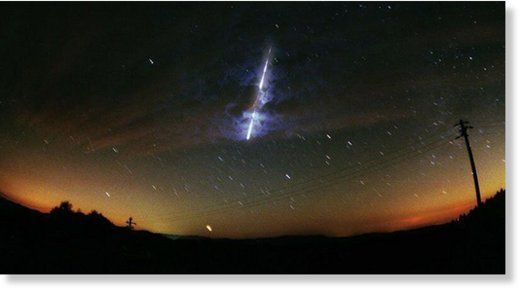 Une mystérieuse météorite verte tombe en Russie Ob_4ff0cb_1027936446