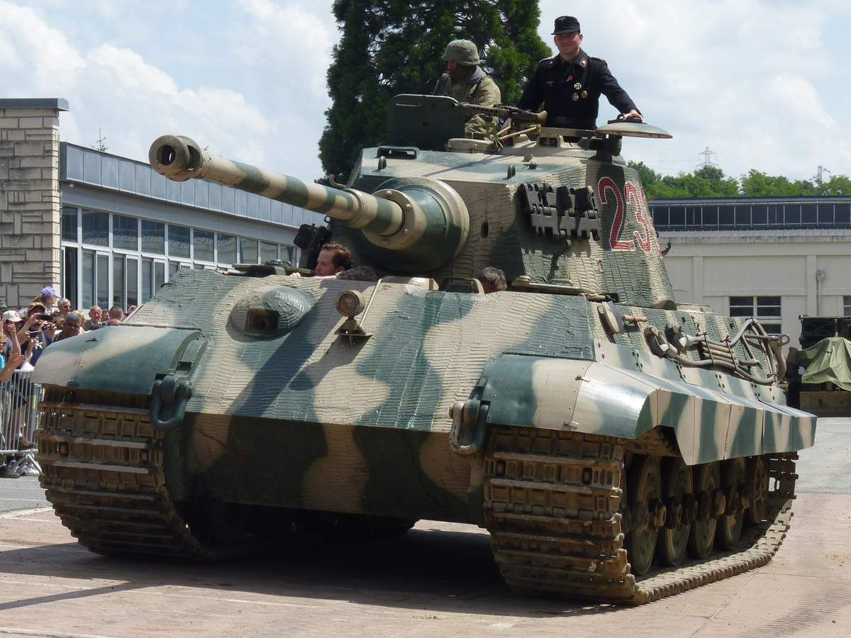 Le Königstiger ( ou Tigre Royal ou Tigre II ) Ob_9a0766_recadree