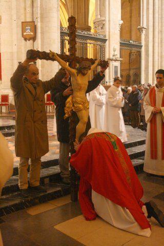 BEAUTÉS DE L'ÉGLISE CATHOLIQUE: SON CULTE, SES MOEURS ET SES USAGES; SUR LES FÊTES CHRÉTIENNES - Allemagne - 1857 Ob_d0b5e6_adoration-croix