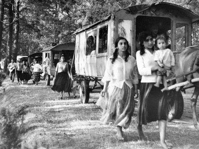 Le flamenco de l'ancien temps...retour aux sources. videos d'archives.. Ob_4396cf_caravane8