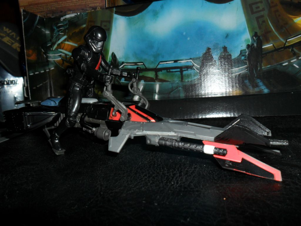 Collection n°182: janosolo kenner hasbro - Page 6 Ob_35f069_elite-speeder-bike-with-special-editio