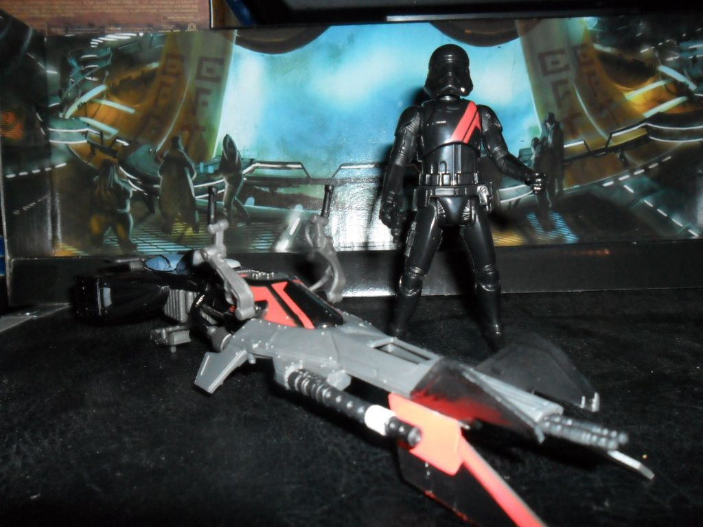Collection n°182: janosolo kenner hasbro - Page 6 Ob_cd39c5_elite-speeder-bike-with-special-editio