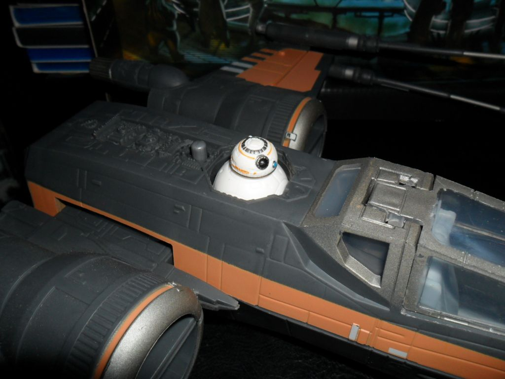 Collection n°182: janosolo kenner hasbro - Page 6 Ob_275885_poe-t-70-x-wing-fighter-bb-8