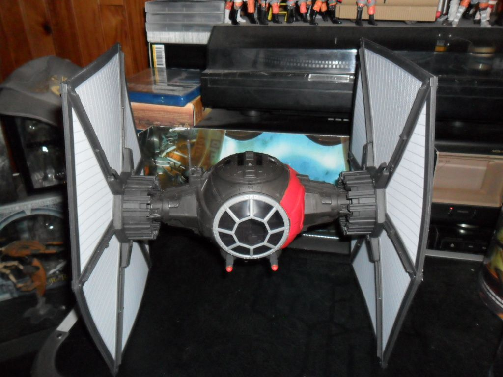 Collection n°182: janosolo kenner hasbro - Page 6 Ob_a3cae7_tie-fighter