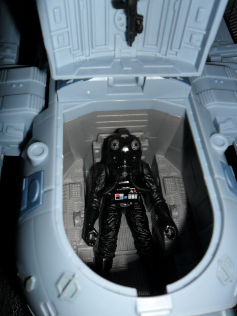 Collection n°182: janosolo kenner hasbro - Page 10 Ob_9ffb8b_tie-striker-cokpit