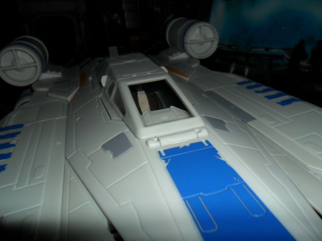 Collection n°182: janosolo kenner hasbro - Page 10 Ob_2eeea7_rebel-u-wing-fighter-with-captain-cass
