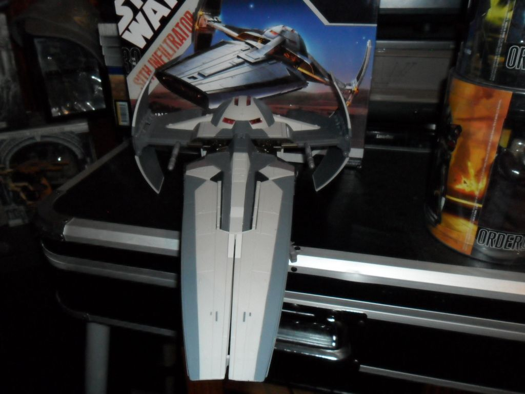 Collection n°182: janosolo kenner hasbro - Page 11 Ob_7f44eb_sith-infiltrator-3