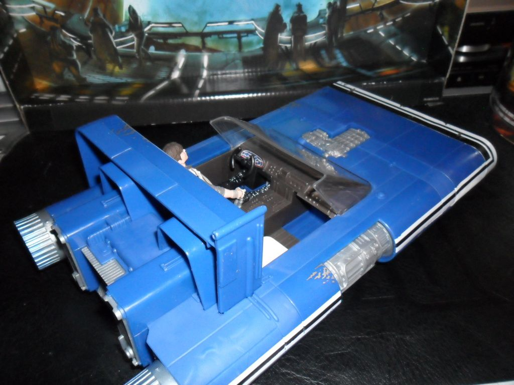 Collection n°182: janosolo kenner hasbro - Page 13 Ob_00b9ad_han-solo-landspeederder
