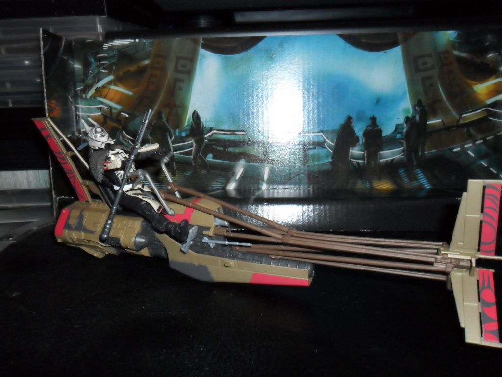 Collection n°182: janosolo kenner hasbro - Page 14 Ob_e659a6_enfys-nest-s-swoop-bike-3