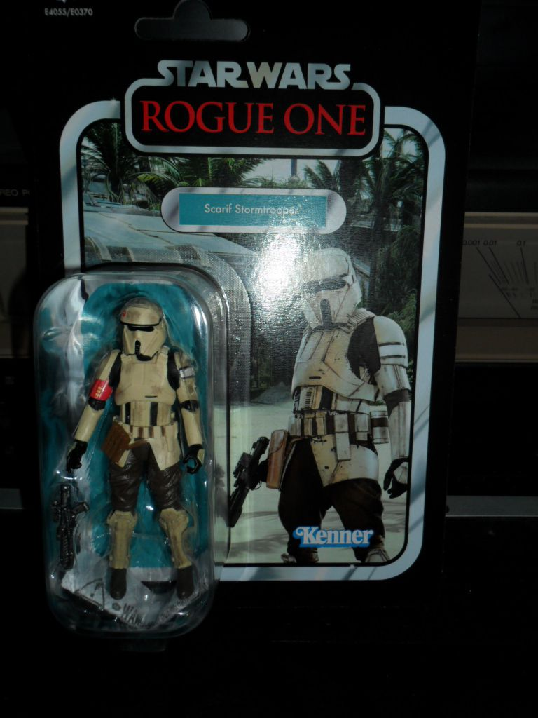 Collection n°182: janosolo kenner hasbro - Page 14 Ob_81ffbf_vc-133-scarif-stormtrooper