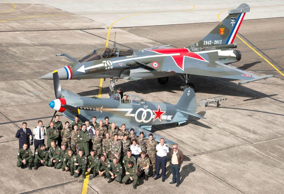Pas-à-pas : Vought F-8E Crusader [Academy 1/72] - Page 2 Ob_dc696b_normandie-niemen-2012-maxi