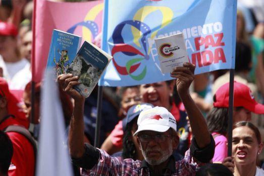 Fernando Lugo - l'Amérique latine Ob_e8170f_venezuela-constituante2