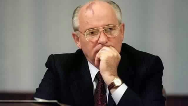 Les récentes prophéties de Pierre Frobert... Ob_55822d_mikhail-gorbachev