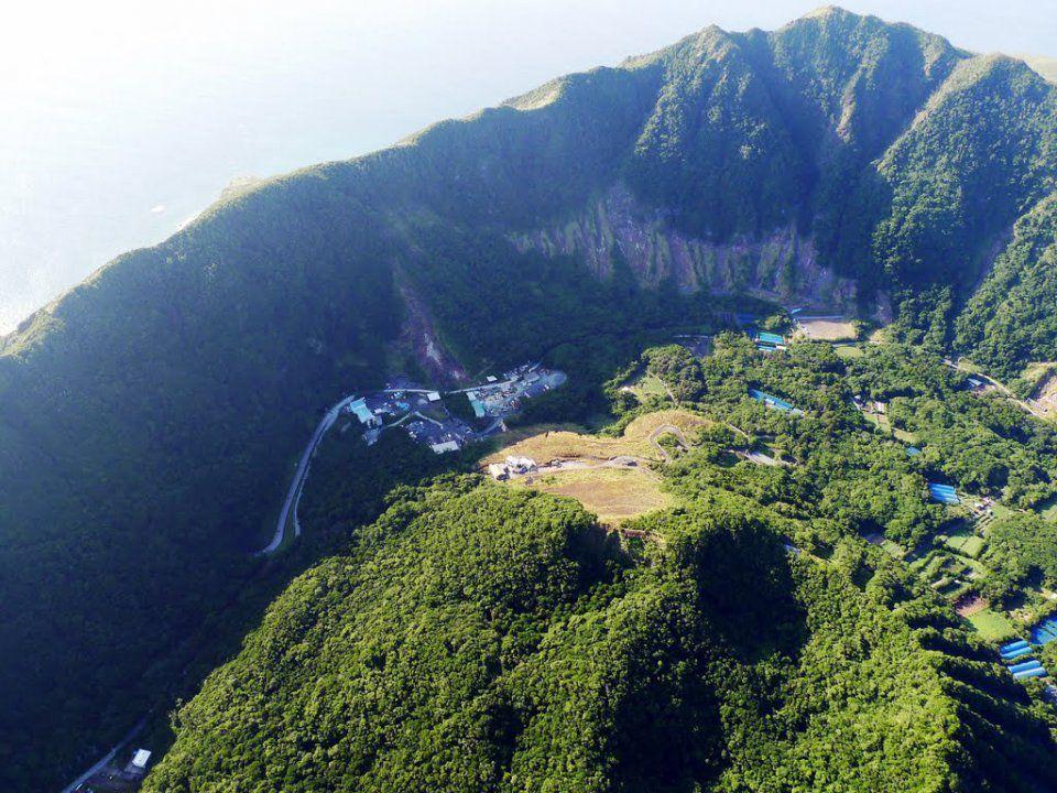 Aogashima, l'île la plus insolite de la Terre… !  Ob_b7386f_1416384630464