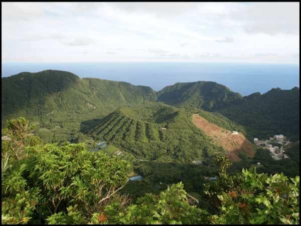 Aogashima, l'île la plus insolite de la Terre… !  Ob_e0660c_capture-d-e-cran-2013-11-22-a-21-30-41
