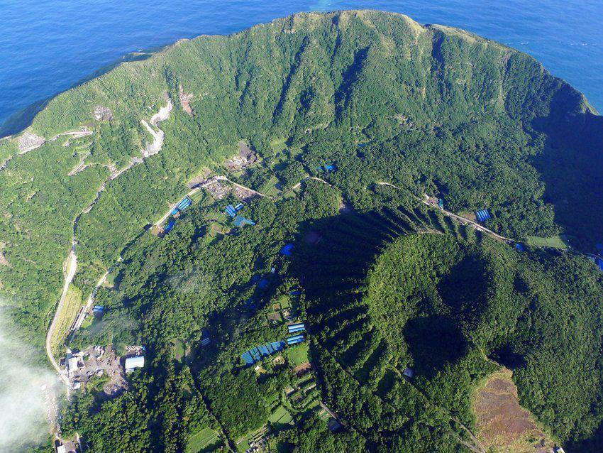 Aogashima, l'île la plus insolite de la Terre… !  Ob_e7d941_5665809403313