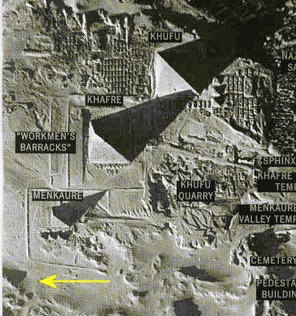 Egypte: Découverte d'une mystérieuse 4ème pyramide oubliée à Gizeh Ob_36b091_141741pyramide402