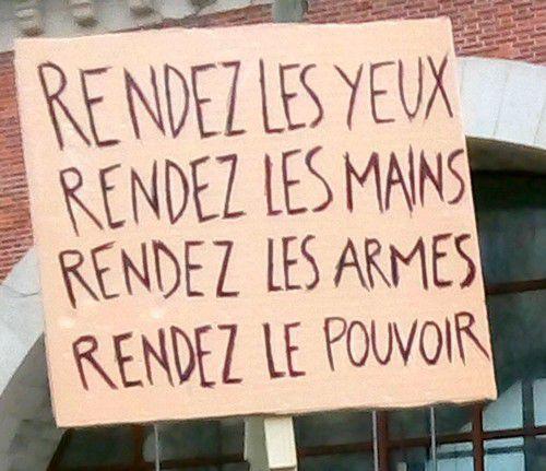 Convergence des luttes. Appel au 5 mai. La Fête à Macron !  - Page 3 Ob_67b022_pancarte-daumesnil-2-2-2019