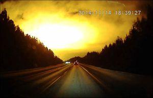 Une explosion suivie d'un gigantesque flash lumineux illumine le ciel russe Ob_aaa6f9_information-items-1749