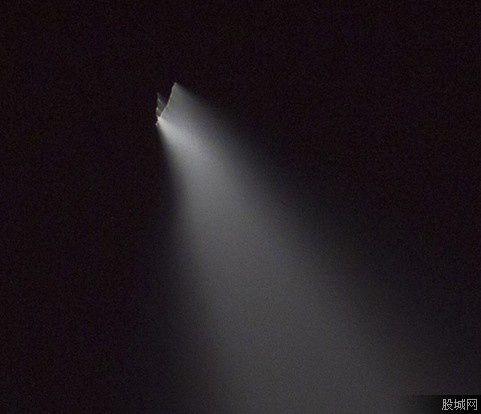 Ovni ou fusée photographié au-dessus de la Chine le 13 mai 2013 Ob_5828461dacd295e3c710dba889b19ba5_china-1
