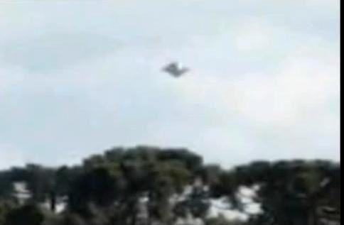 Vidéo - Ovni au Brésil le 7 Mai 2013 Ob_a2fa906f773e0742b7bd60d7b55bed64_bresil-ufo-jpg