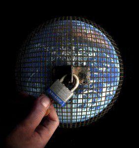 Agenda 21_Plan pour une dictature fasciste mondiale  Flickr-Prison-Planet-AZRainman-282x300