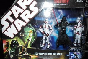 Collection n°182: janosolo kenner hasbro - Page 2 Darth-vader-with-incinerator-troopers