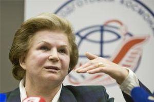 Russie: A 76 ans, la première femme cosmonaute prête pour un aller-simple pour Mars 2013_06_490_0008_11155614_RUSSIA_SPACE_afp_com_20130607_PH_