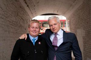 Wikileaks: Il a 17 ans et il espionne Julian Assange pour le FBI depuis 2 ans ! 5863770-8740581