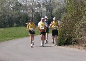 6 heures de loos lez lille: 17 avril 2011 6h_de_loos__coureurs_ensemble