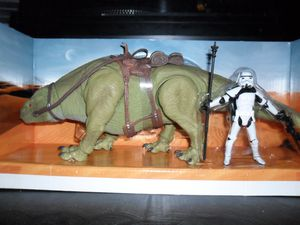 Collection n°182: janosolo kenner hasbro - Page 3 Dewbak-with-sandtrooper--2-