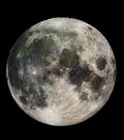 L'eau découverte sur la Lune aurait la même origine que celle présente sur Terre L-eau-et-les-autres-elements-decouverts-sur-la-lune-auraien