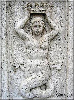 Sirènes ou baleines Rome.-la-sirene-et-la-couronne