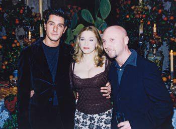 ICON >> La Reina del Pop y su legado en la MODA  StefanoGabbana_Madonna_DomenicoDolce_1996